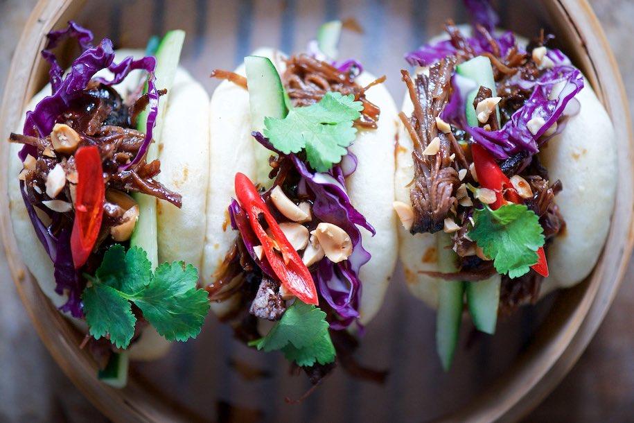 Bao bao ripieni di pulled pork alla salsa hoisin - Carlotta