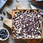 torta con mirtilli e crème fraîche