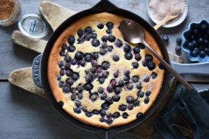 torta in padella con ricotta e mirtilli