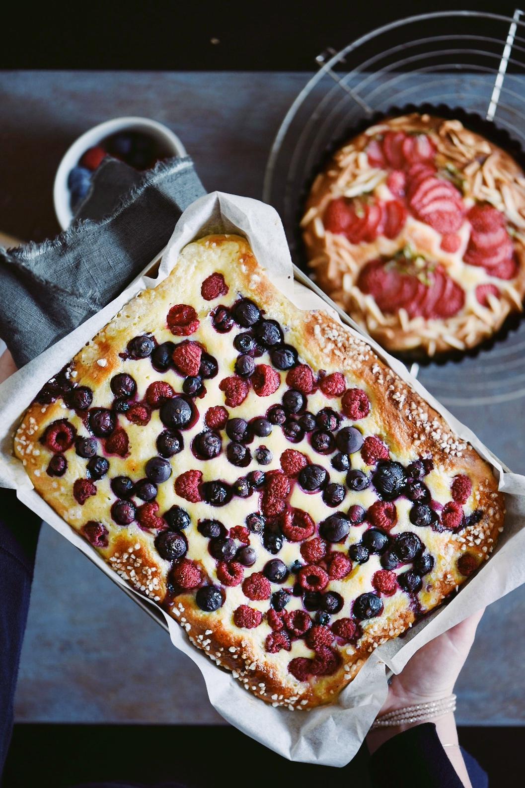torta brioche con i frutti di bosco